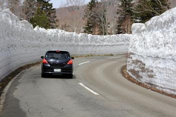 雪の回廊3.JPG